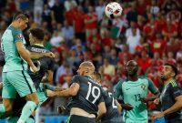 Teknik Cara Menyundul Bola atau Heading Dalam Sepakbola