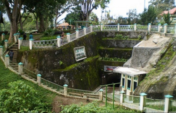 Goa Jepang di Bukit TInggi Sumatera