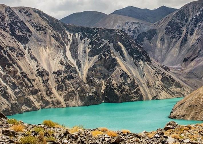 Danau Sarez