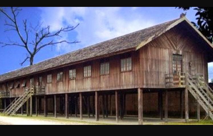 Rumah Dan Pakaian Adat Serta Kebudayaan Kalimantan Barat Lengkap