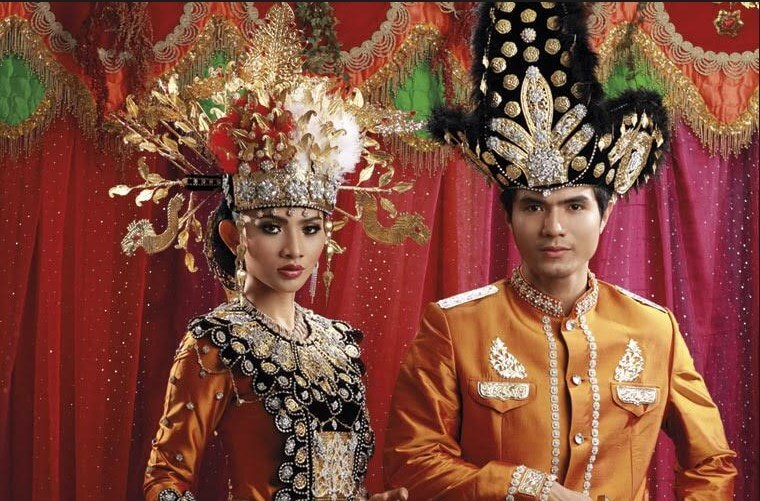 pakaian adat adat pernikahan gorontalo
