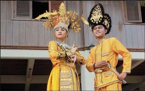 91 Contoh Baju Adat Gorontalo Pasangan Terbaik