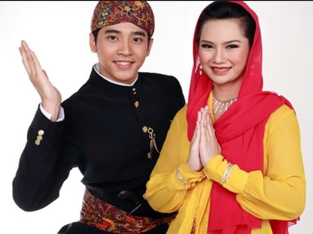 pakaian adat Jakarta abang none