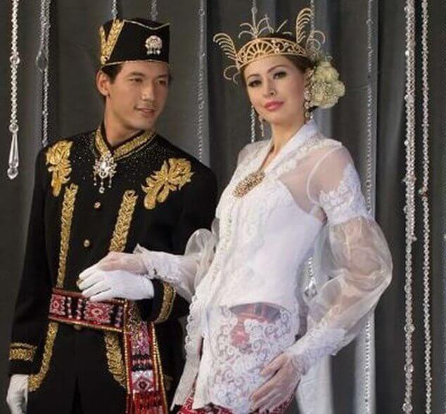 baju pernikahan minahasa