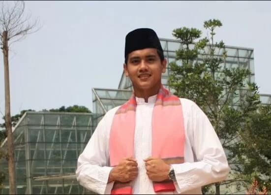 pakaian adat Jakarta pria