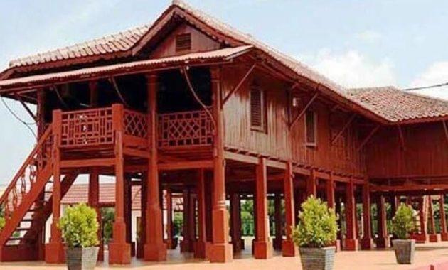 Rumah Adat Panggung