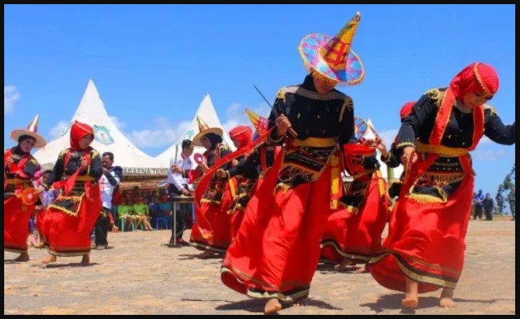Tarian Sulawesi Tenggara