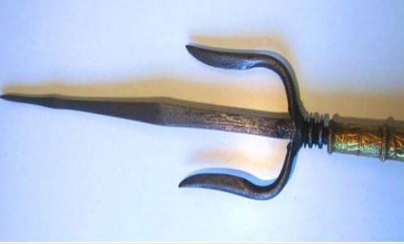 Senjata Tradisional Sumatera Selatan tombak trisula