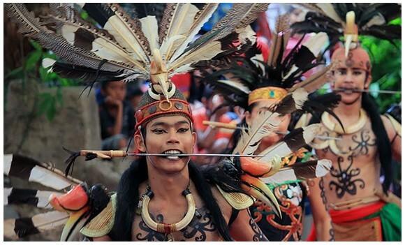 Tari Kinyah Mandau Kalimantan Tengah
