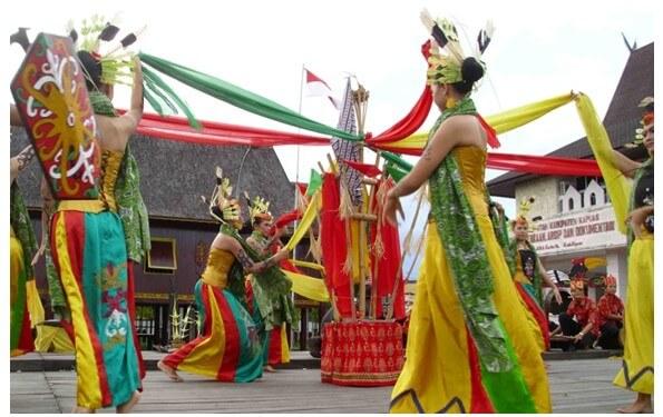 Tari Manasai Kalimantan Tengah