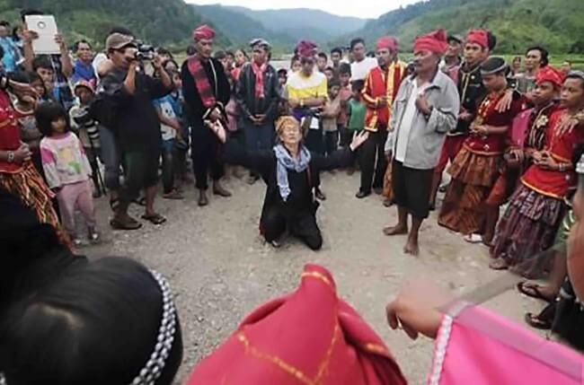 tari raigo Sulawesi Tengah
