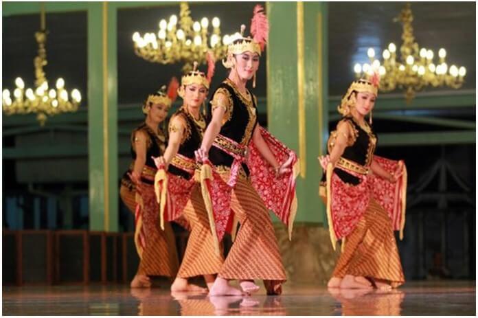 Tari Serimpi Yogyakarta