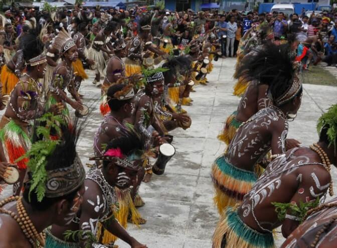 Tari Papua Aluyen