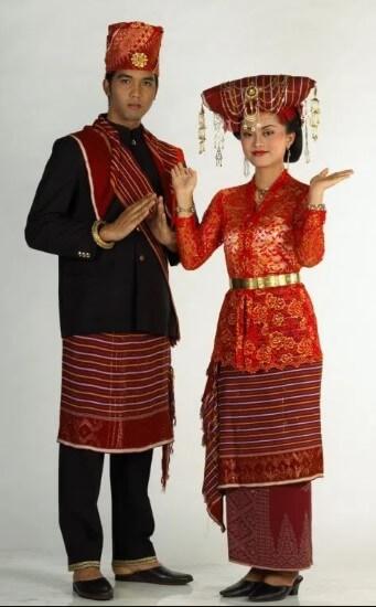 Baju adat Batak Ulos