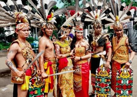 Pakaian Adat Provinsi Kalimantan Timur