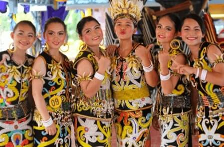 Pakaian Adat Provinsi Kalimantan Utara