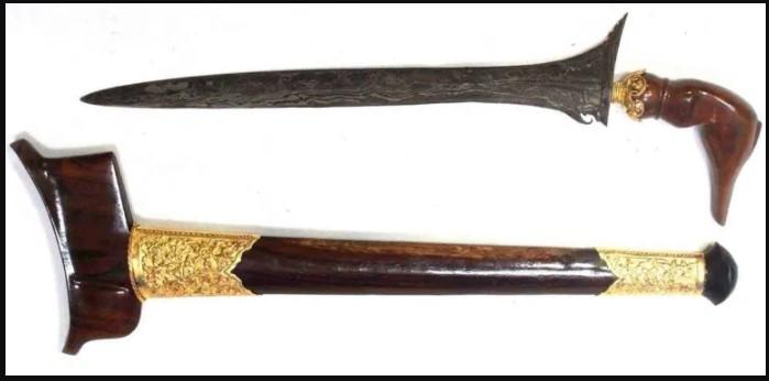 Senjata Tradisional Lampung Terapang