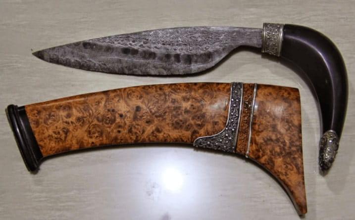 Senjata Tradisional badik Sulawesi Selatan