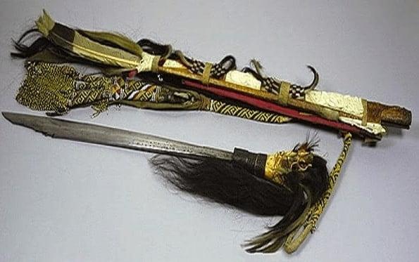 Senjata Tradisional mandau Kalimantan Timur