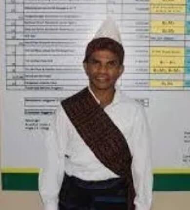 Pakaian Adat Sulawesi Tengah Pria Suku Mori