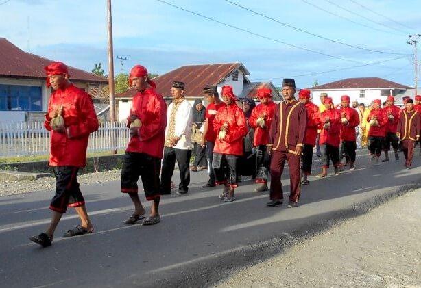 Pakaian Adat Sulawesi Tengah Pria
