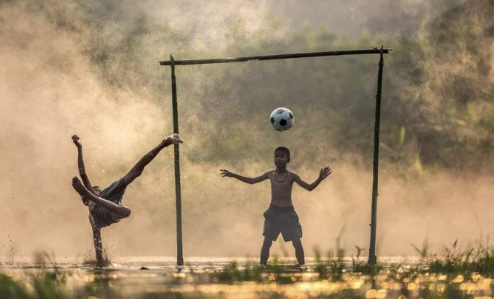 Permainan Tradisional Sepakbola
