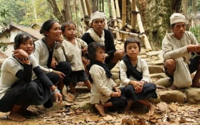 Suku Baduy dalam dan Luar