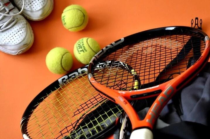 Permainan Bola Kecil Tenis Lapangan
